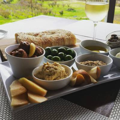 perth hills wineries and accommodation
